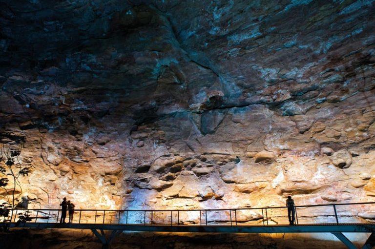 Cavernas - Turismo científico